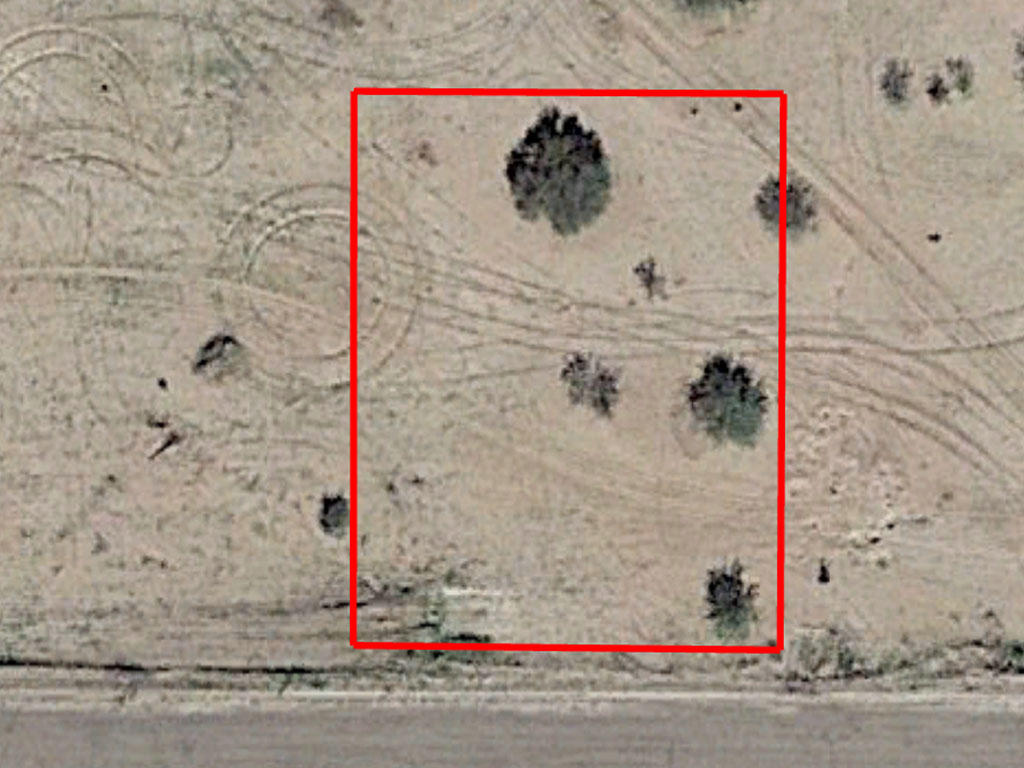 Rapidly Developing Area Flat Lot Located in Arizona City - Image 1