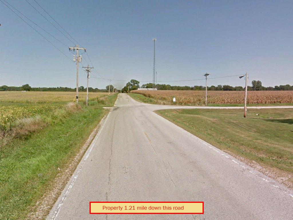 Central Illinois Escape Near Spoon Lake - Image 4