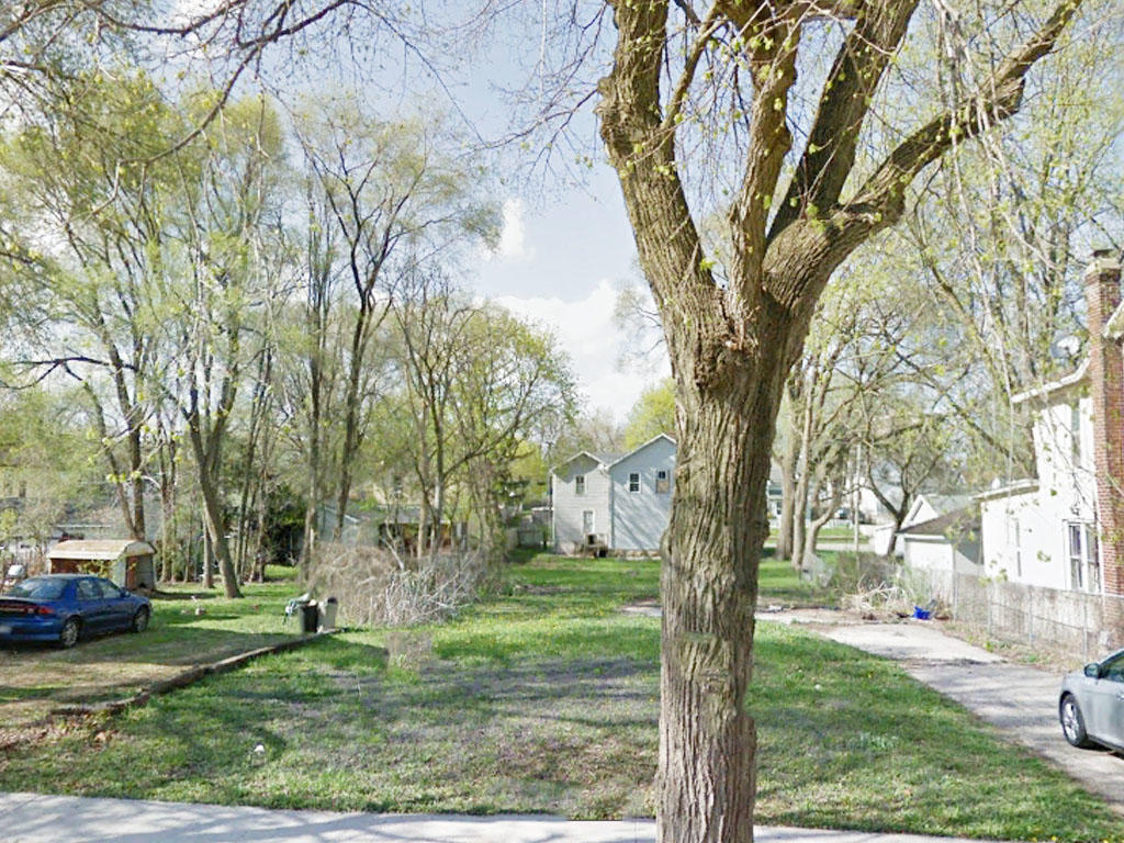 Charming Lot in Family Friendly Neighborhood - Image 0