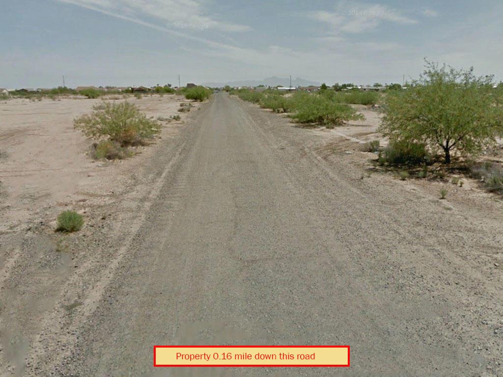 Serene Desert Landin Arizona City - Image 4
