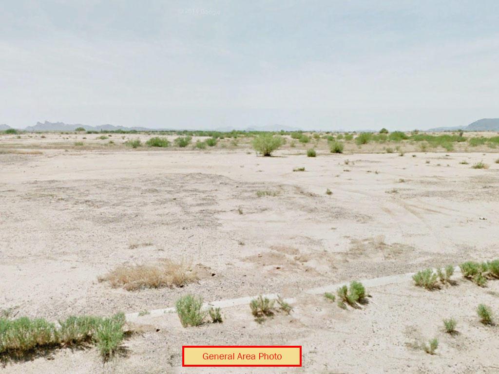 Desert Getaway Near Famed Sawtooth Mountains - Image 0