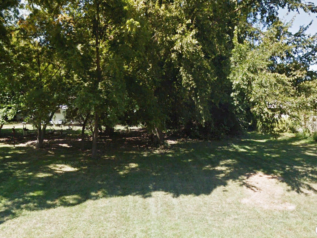 Spacious Riverfront Lot - Image 0