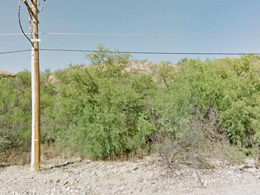 Over Half an Acre on the Southern Arizona/Mexico Border - Image 3