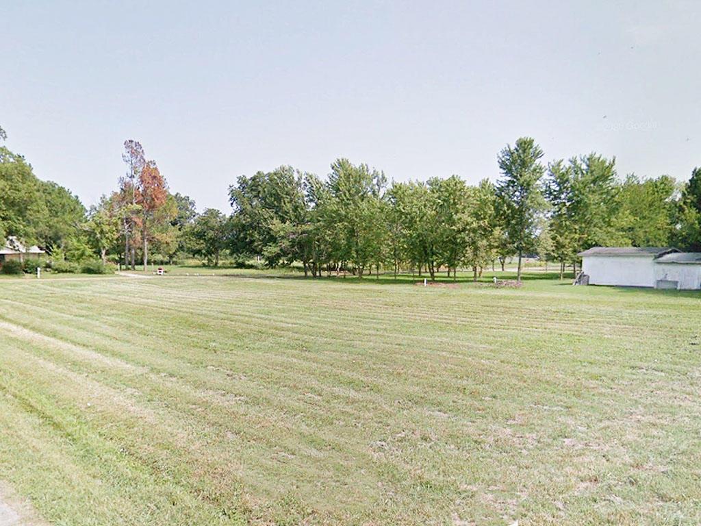 Embrace the Neighborhood Feel of this Arkansas Land - Image 0