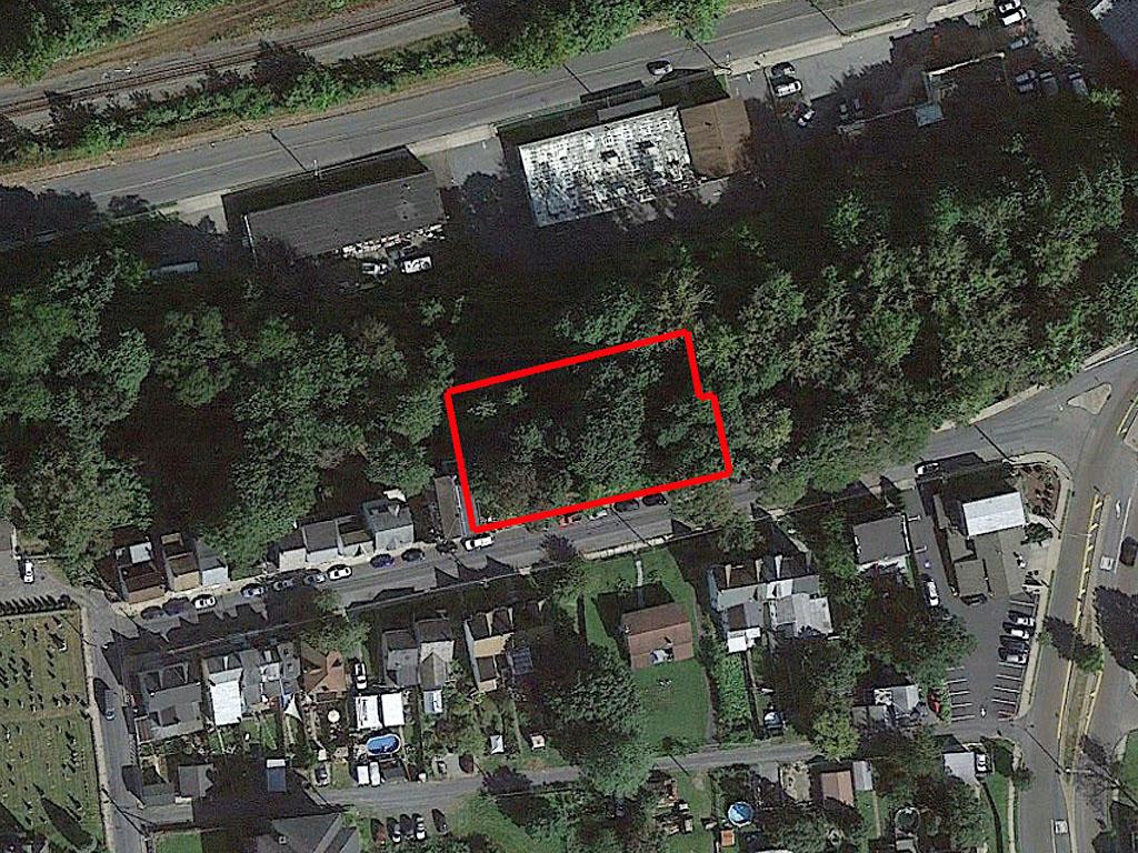 Half an acre near the Lehigh River - Image 1
