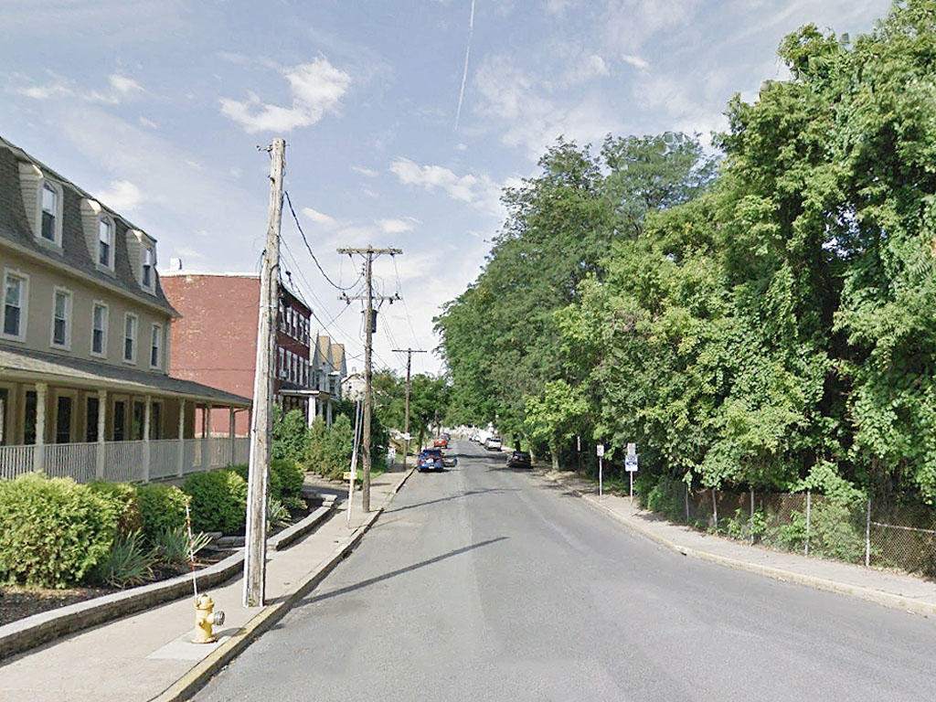 Half an acre near the Lehigh River - Image 4
