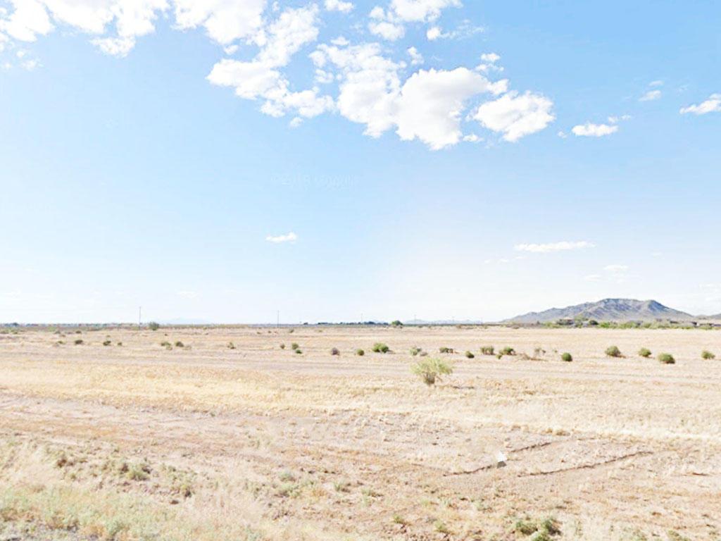 Sun, Stars, and Solitude balanced with Social in Arizona City, Arizona - Image 0