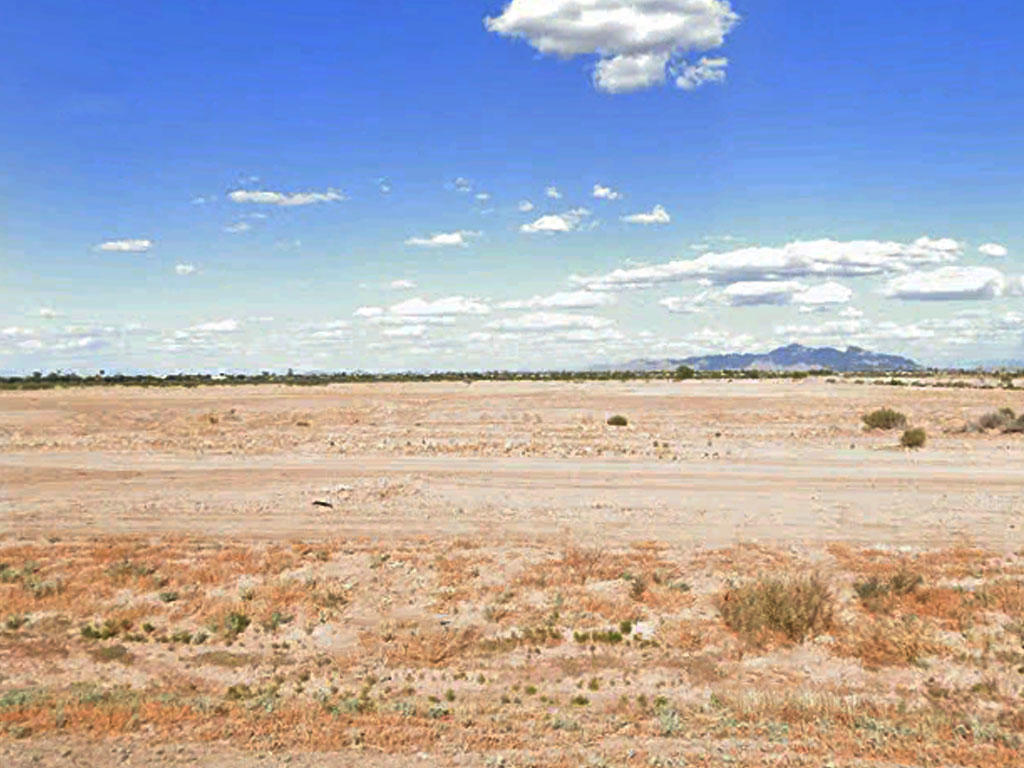 Arid Arizona Property Offers Open Skies - Image 3