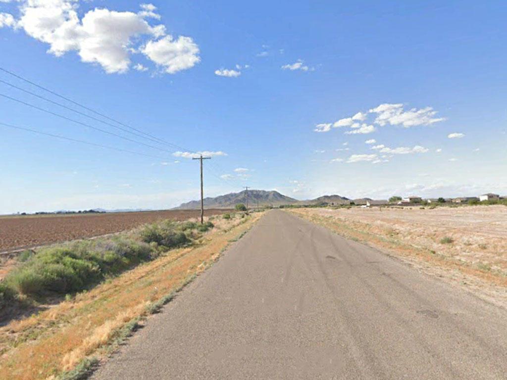 Arid Arizona Property Offers Open Skies - Image 4