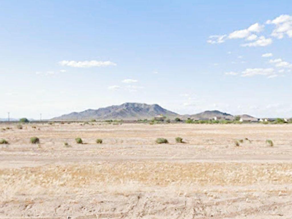Pure Water, Fresh Air and Open Skies in Arizona City, Arizona - Image 3