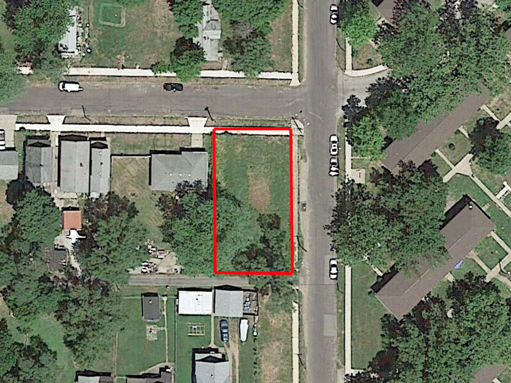 Corner Lot in Established Neighborhood in Peoria - Image 1