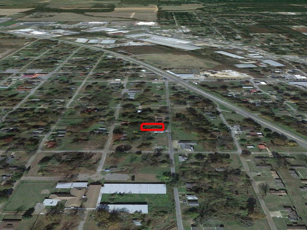 Double Sized Lot in West Helena Arkansas - Image 2