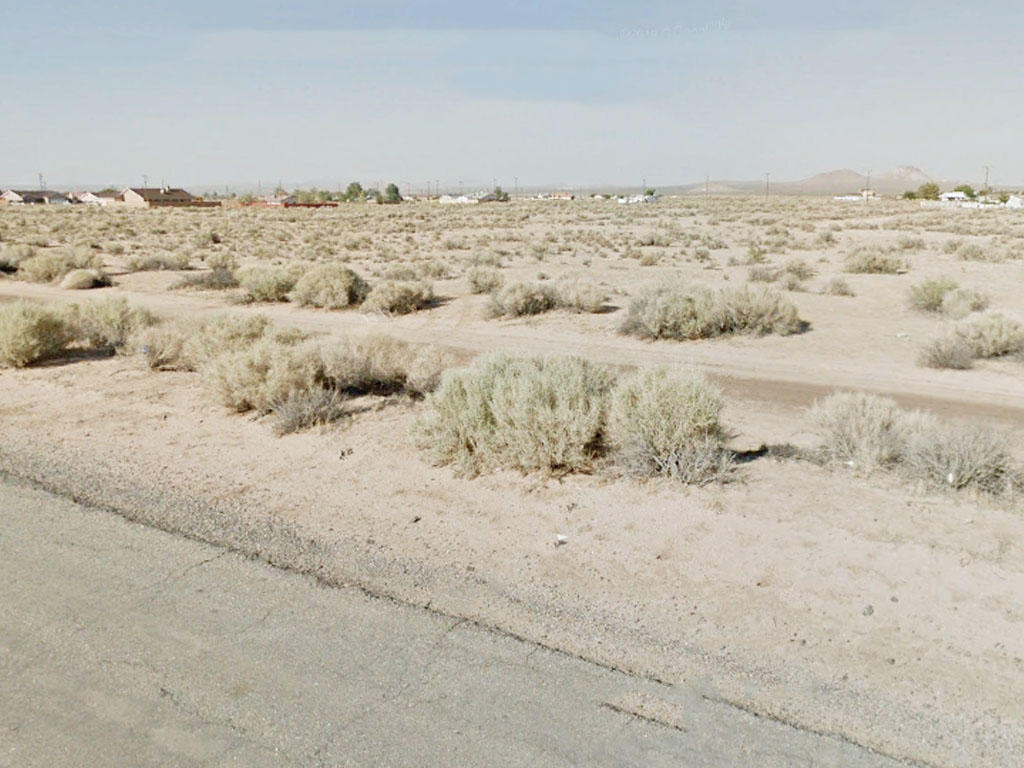 Investment Lot on the Outskirts of California City - Image 3