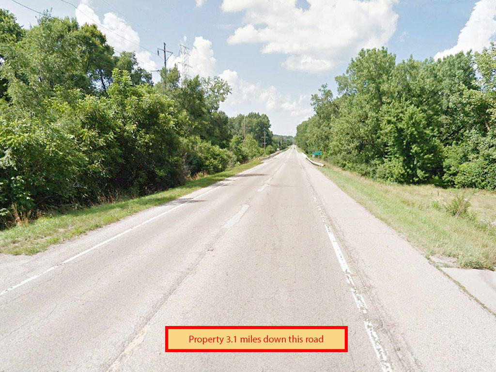 Over an acre treed lot in Chillicothe - Image 4