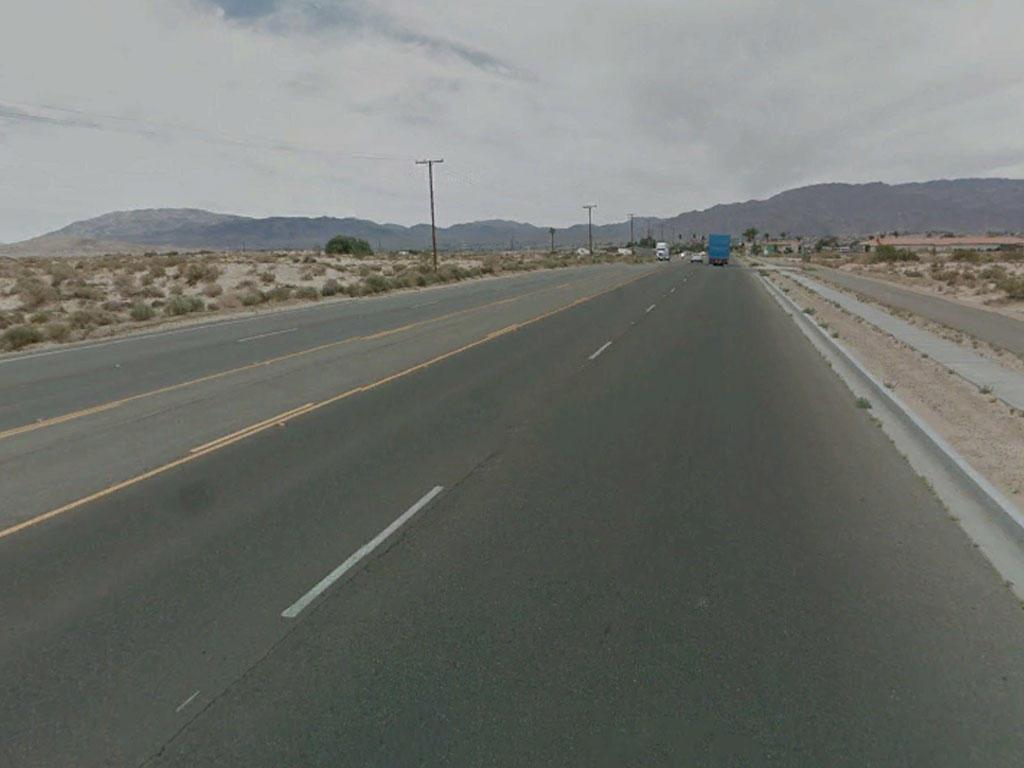 Twentynine Palms Acreage on a Paved Road - Image 4