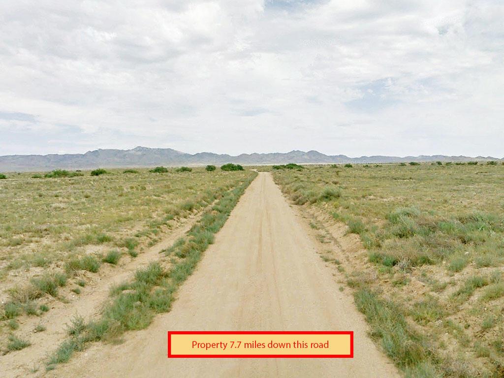 Stunning 2 Plus Acre Property Outside Kingman AZ - Image 4