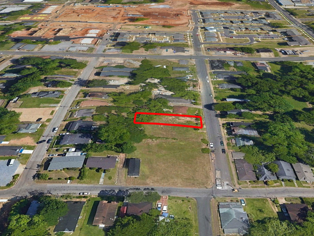 Stunning Multi Family Lot in City Limits of Montgomery - Image 2