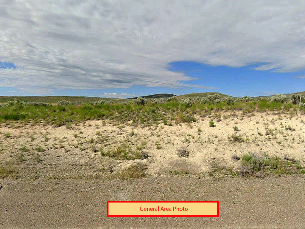 Over an acre in serene Nevada - Image 3