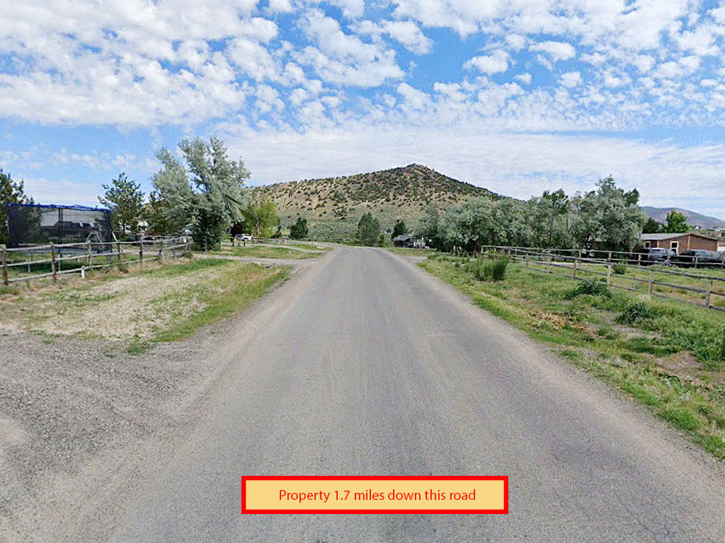Over an acre in serene Nevada - Image 4