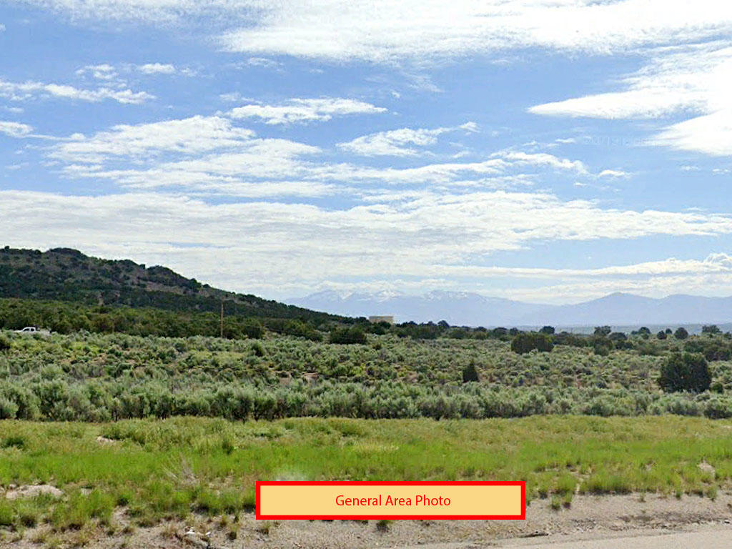 Over an acre tucked in the beautiful peaks of Nevada - Image 3