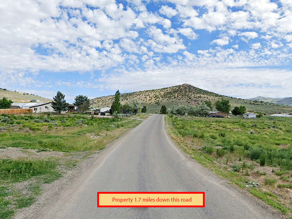 Over an acre tucked in the beautiful peaks of Nevada - Image 4