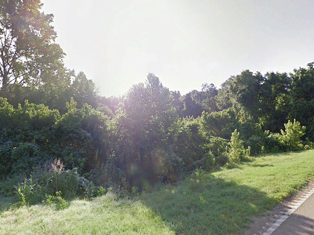 A serene getaway in Lexington, Mississippi on a 1.22 acre lot - Image 0