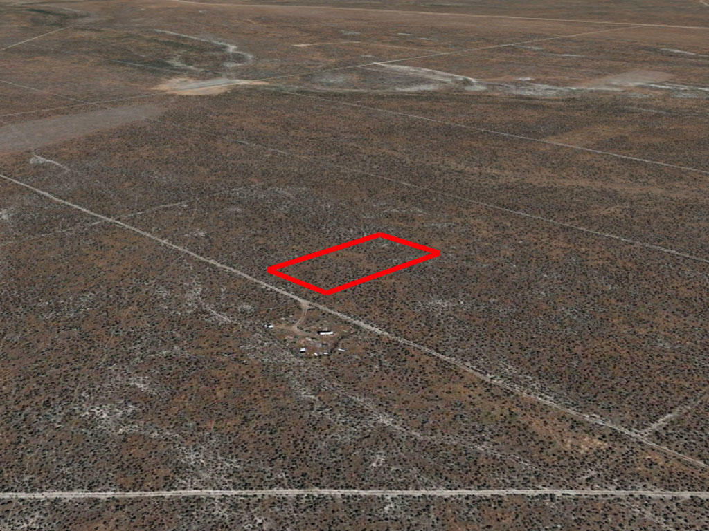 Over an acre nestled in the peaks of Nevada - Image 2