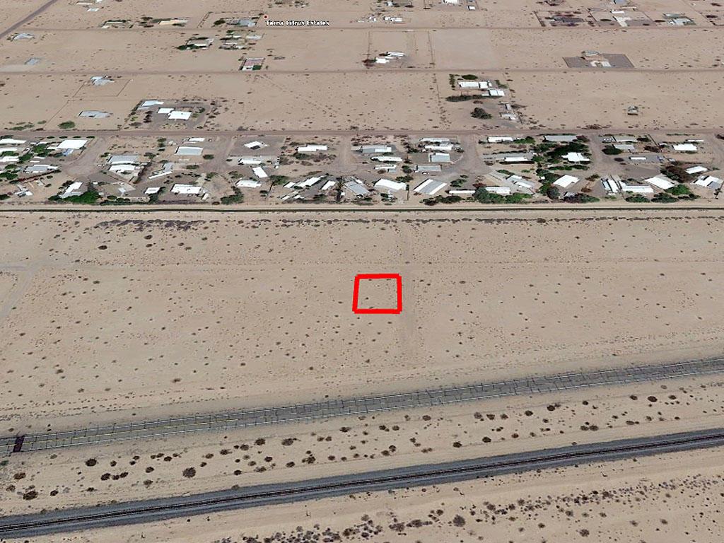 Property in expanding neighborhood in Yuma County, Arizona - Image 2