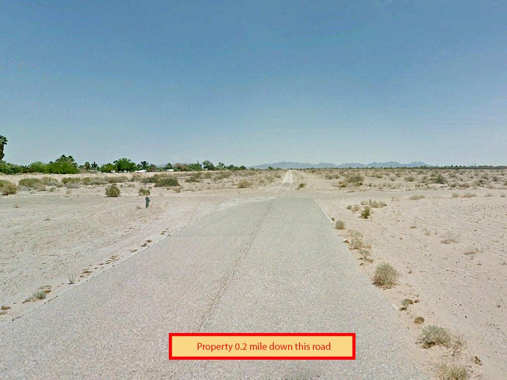 Property in expanding neighborhood in Yuma County, Arizona - Image 4