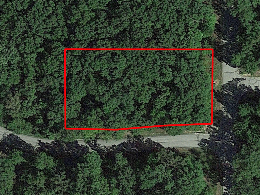 Half an acre tucked in the heart of Lake of the Ozarks - Image 1