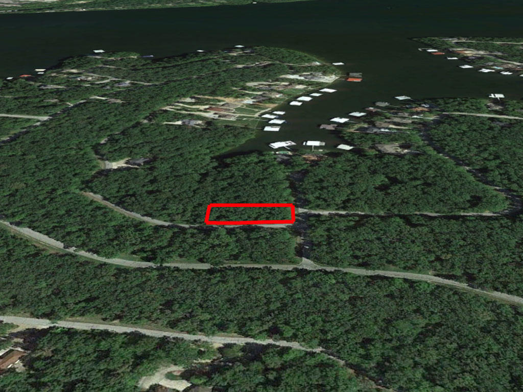 Half an acre tucked in the heart of Lake of the Ozarks - Image 2
