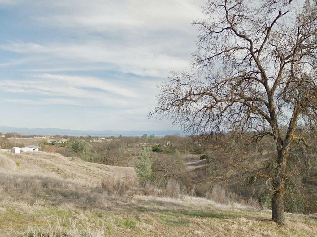 Just over an acre two hours from Sacramento, California - Image 3