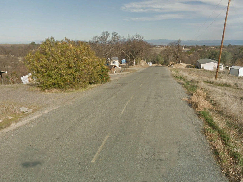 Just over an acre two hours from Sacramento, California - Image 4