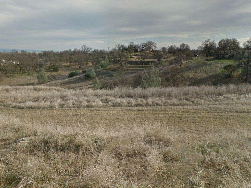 Just over an acre two hours from Sacramento, California - Image 0