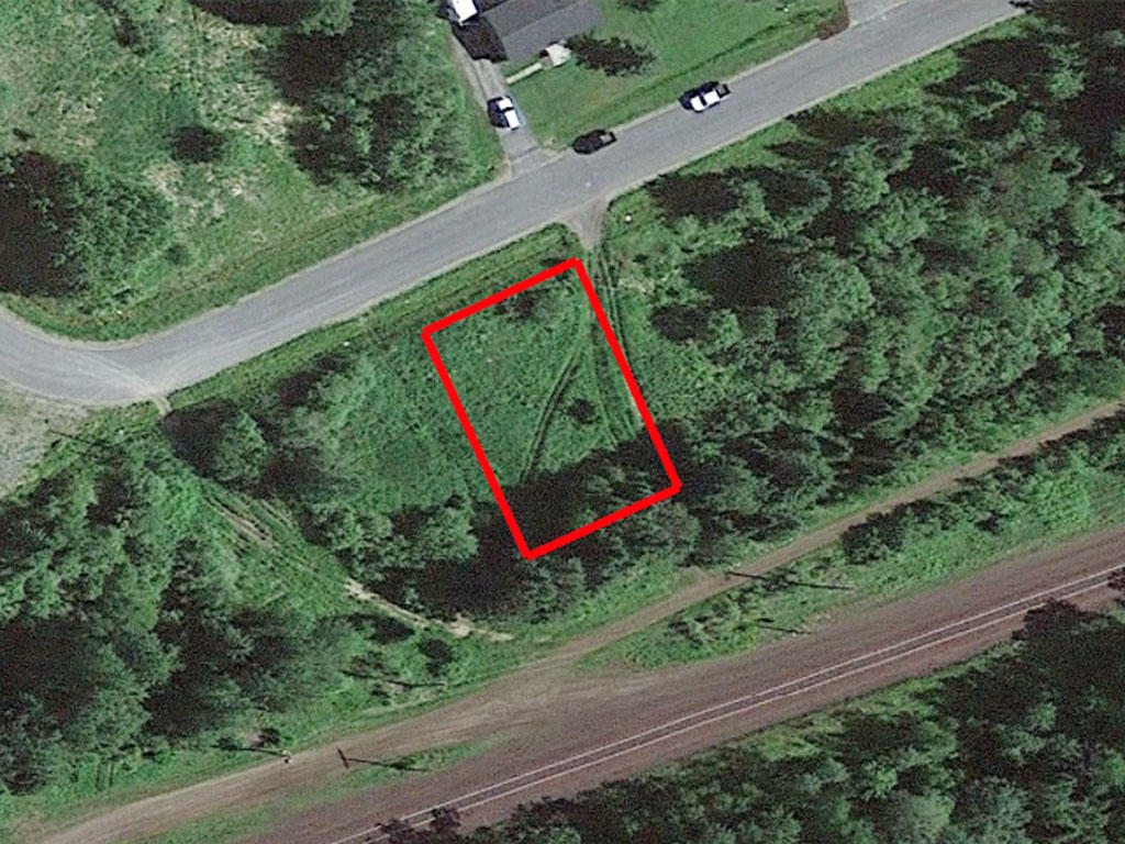 Ten thousand square foot property surrounded by beautiful lakes - Image 1