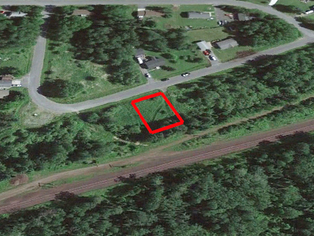 Ten thousand square foot property surrounded by beautiful lakes - Image 2
