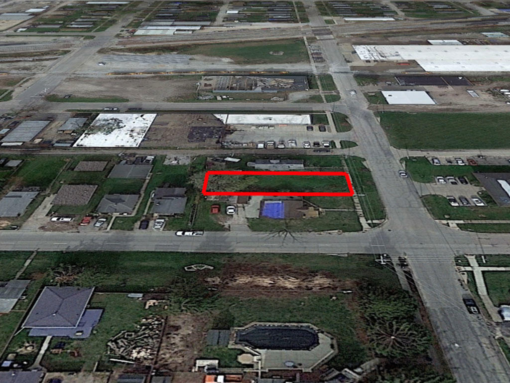 Almost 6000 square foot lot in the heart of Cedar Rapids - Image 2