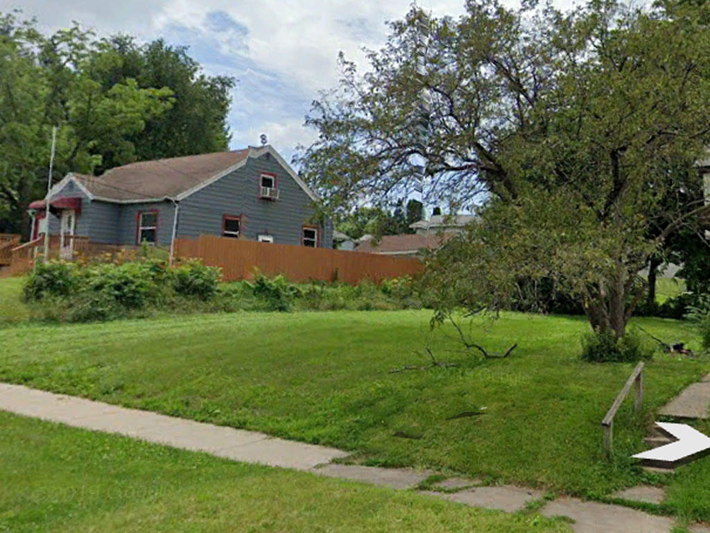 Almost 6000 square foot lot in the heart of Cedar Rapids - Image 3