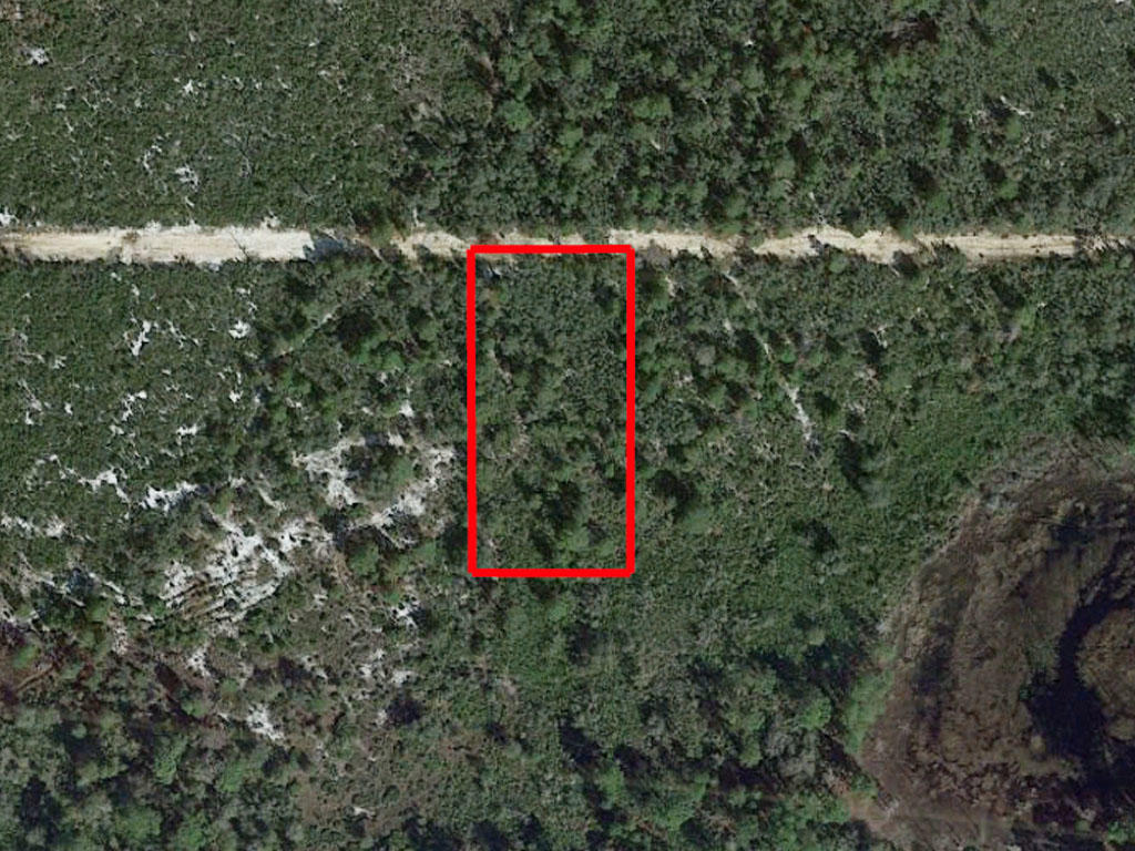 Over an acre close to lakes - Image 1
