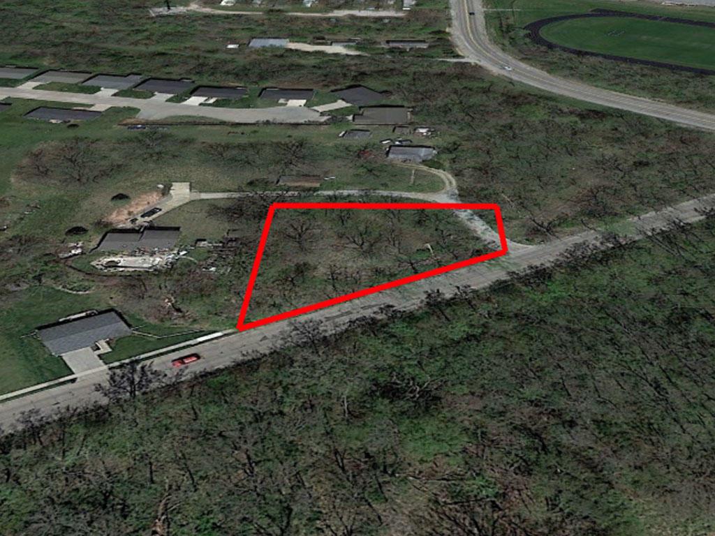 Quaint Davenport Residential Oasis - Image 2