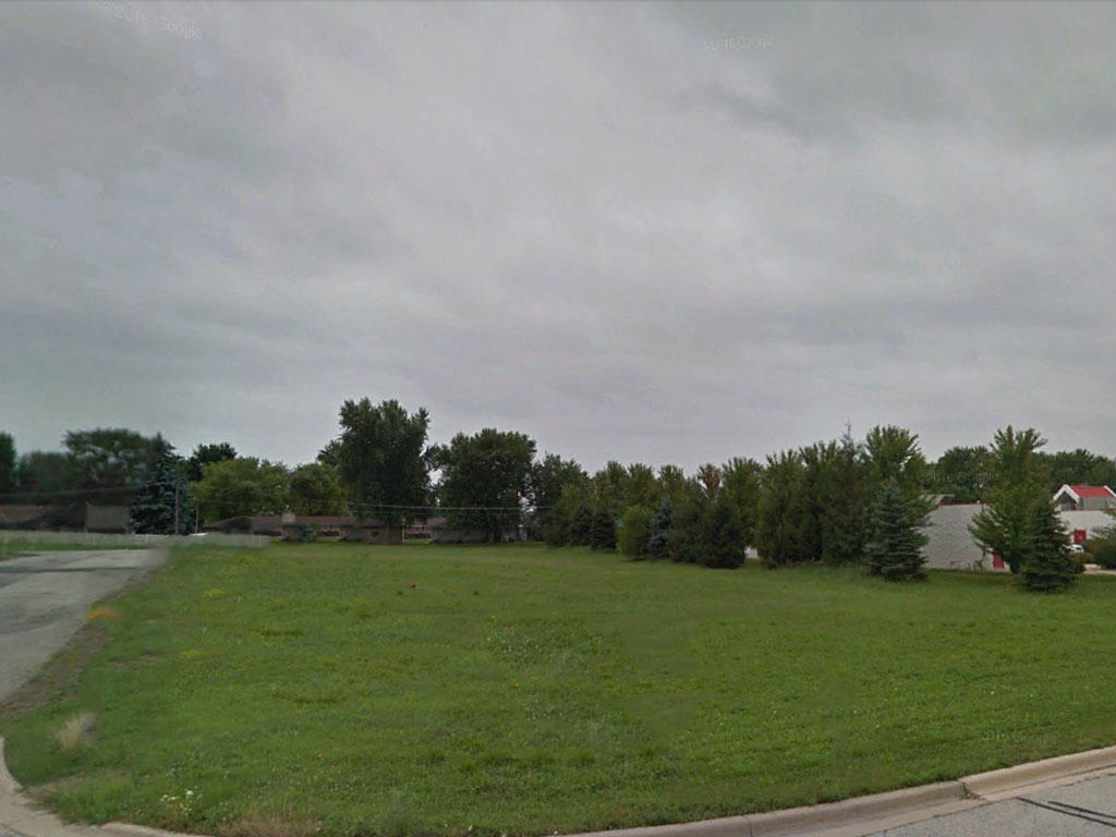 Upstate Illinois Small Town Living - Image 3