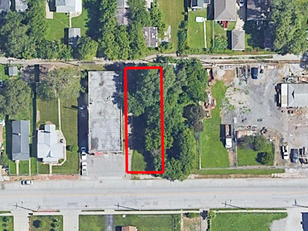 6500 Square foot lot not far from Carter Lake - Image 1