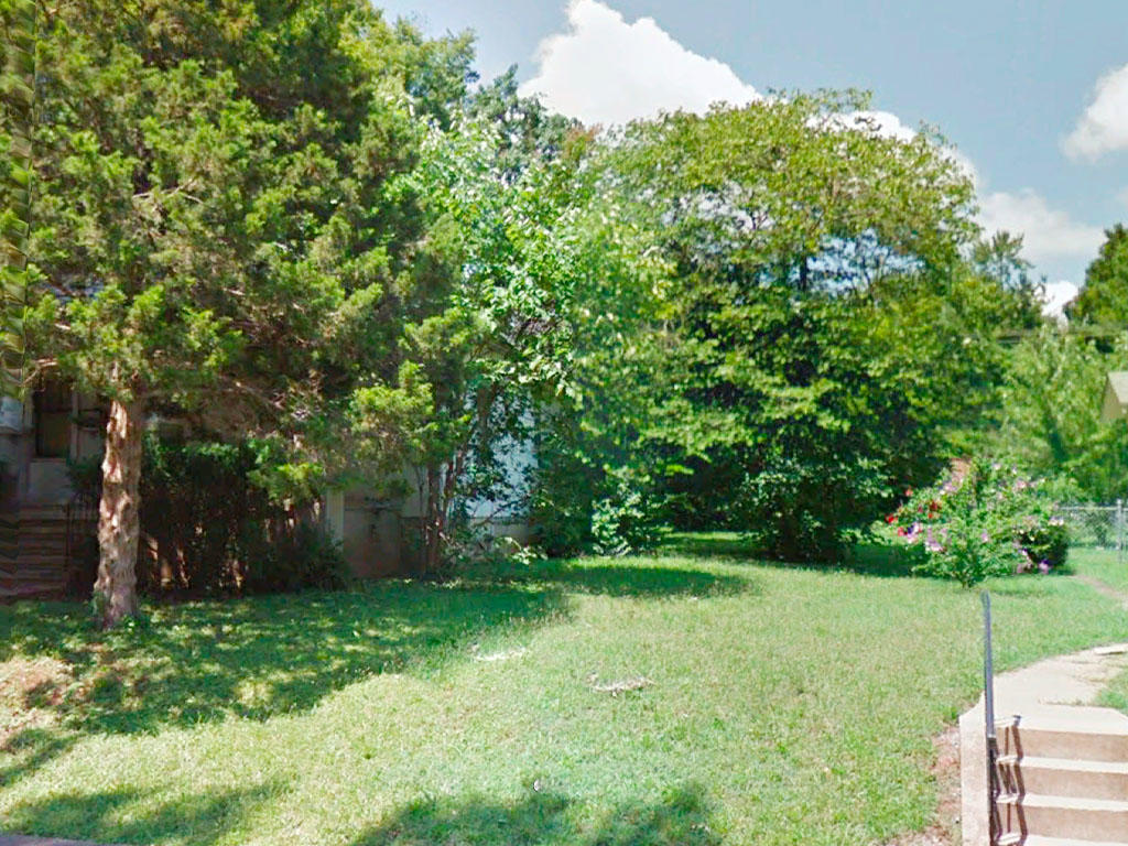 Over 10,000 square foot lot in a well established neighborhood - Image 3
