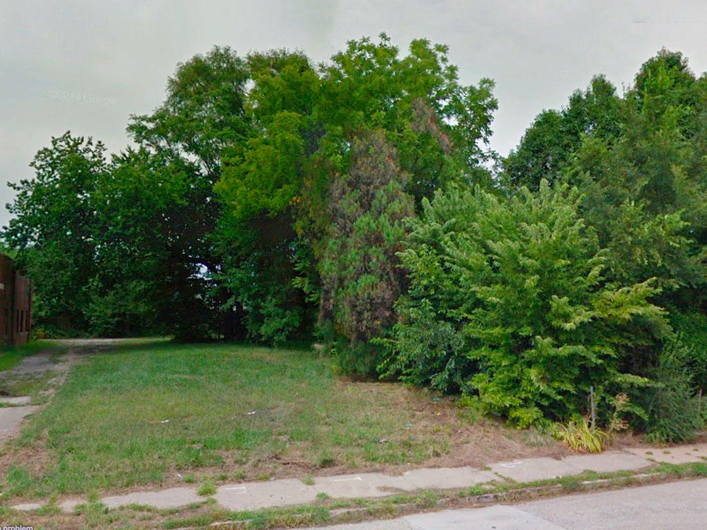 6500 Square foot lot not far from Carter Lake - Image 3