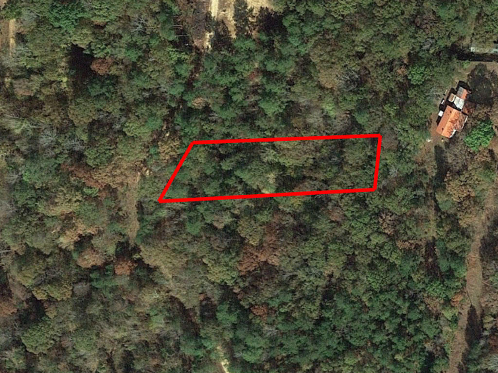 Just under an Acre of Northern Mississippi Property near Water - Image 1
