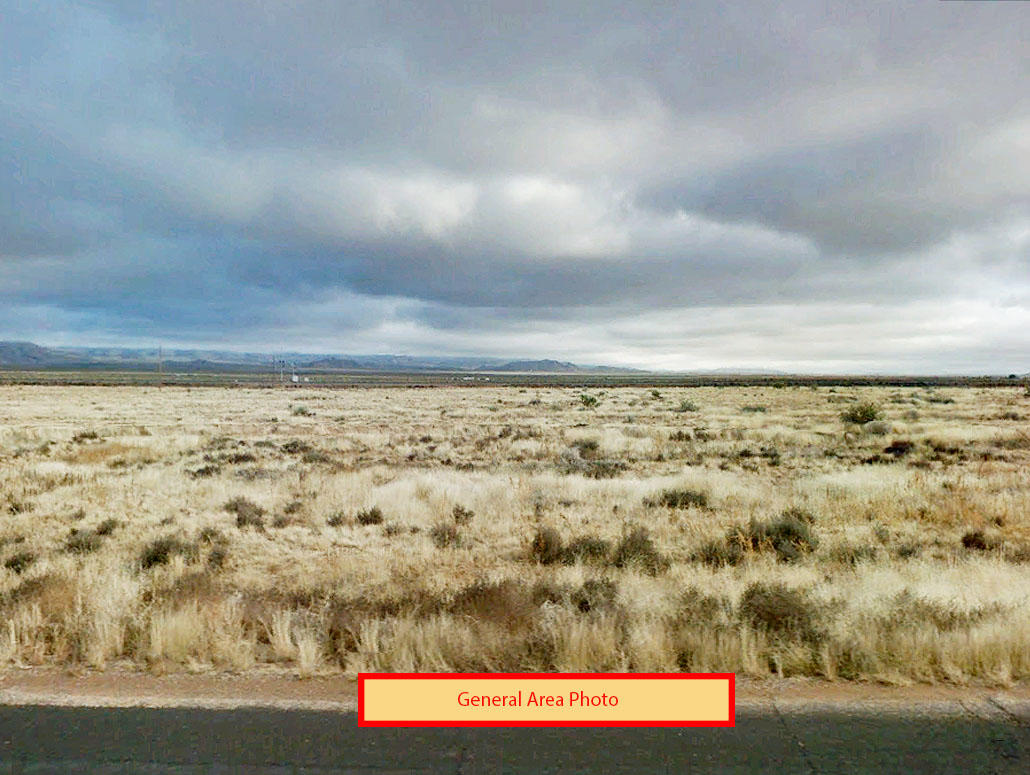 Stunning 2 Plus Acre Property Outside Kingman AZ - Image 0