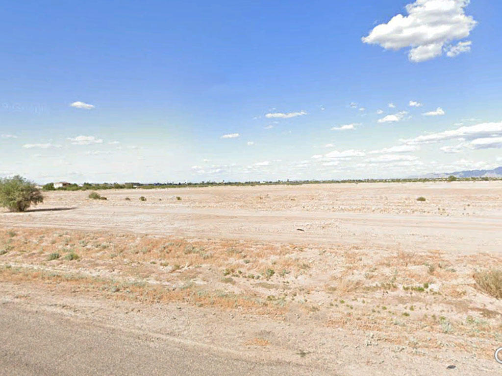 Arid Arizona Property Offers Open Skies - Image 0