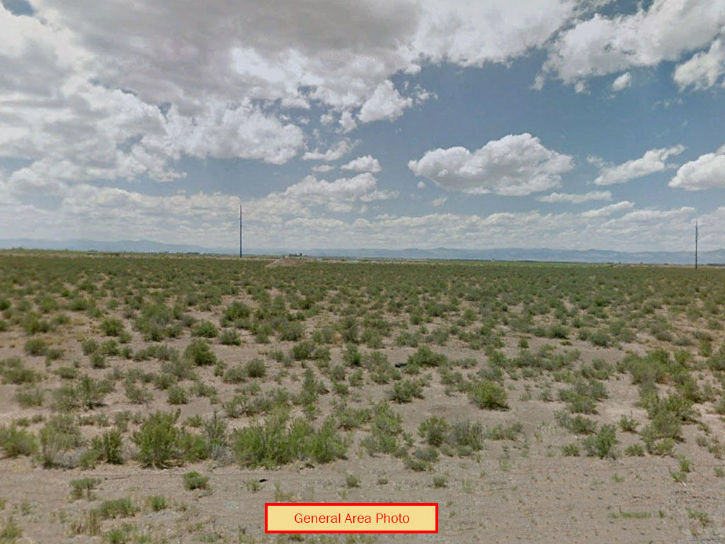 Private open property near UFO Watchtower - Image 0