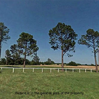 Over A Third of an Acre Dream Property Next to the Golf Course - Image 0