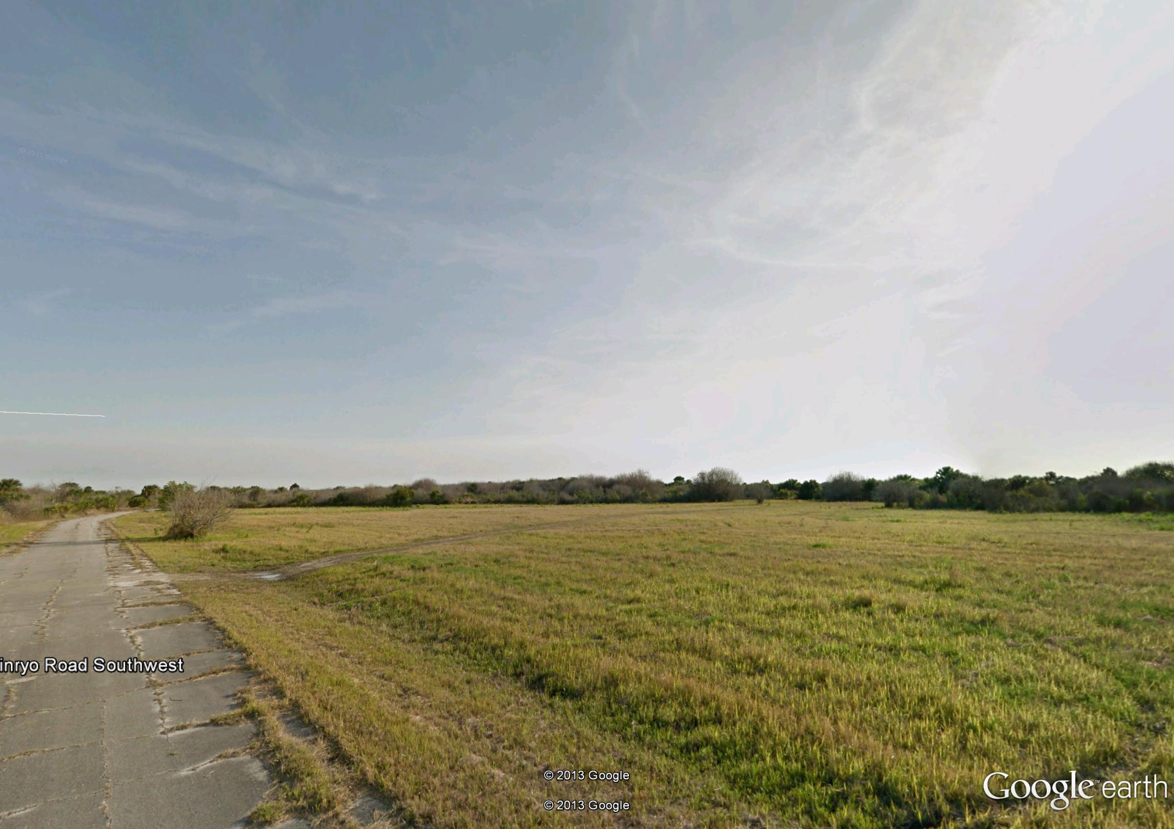 1/3 Acre Florida Treasure Only Half an Hour from the Beach - Image 2